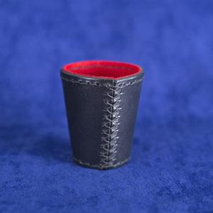 Mini Chop Cup Negro - Hilo Negro - Fieltro Rojo (Miguel Pizarro)